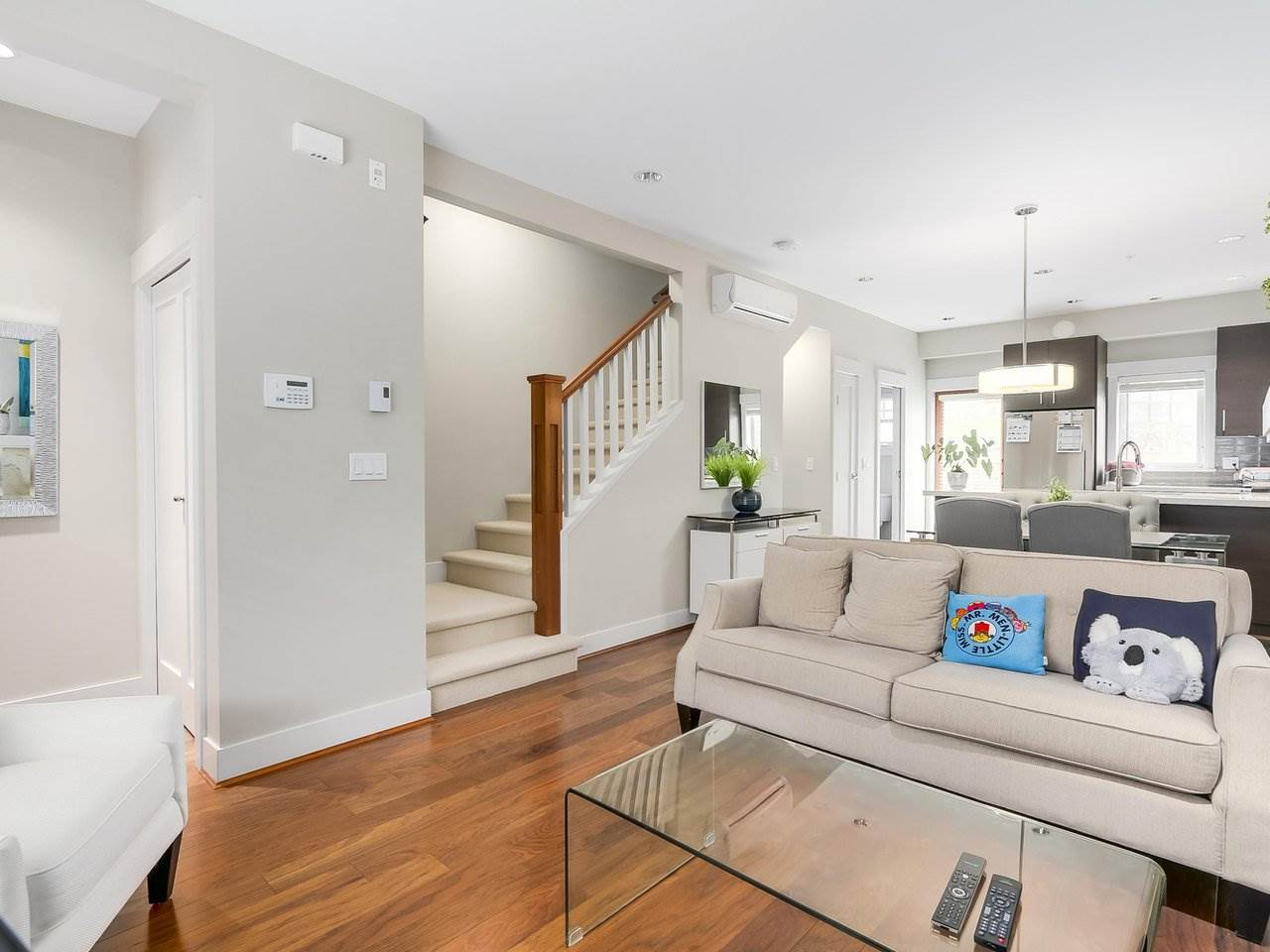Townhouse at 5926 OAK STREET, Vancouver West, British Columbia. Image 5