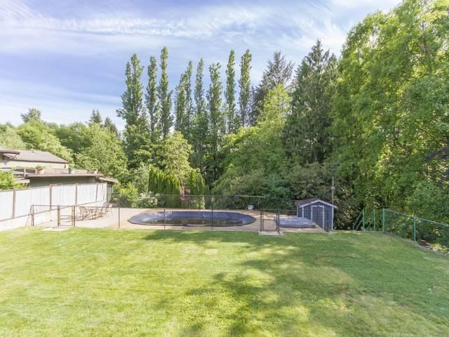 Detached at 14346 66 AVENUE, Surrey, British Columbia. Image 18