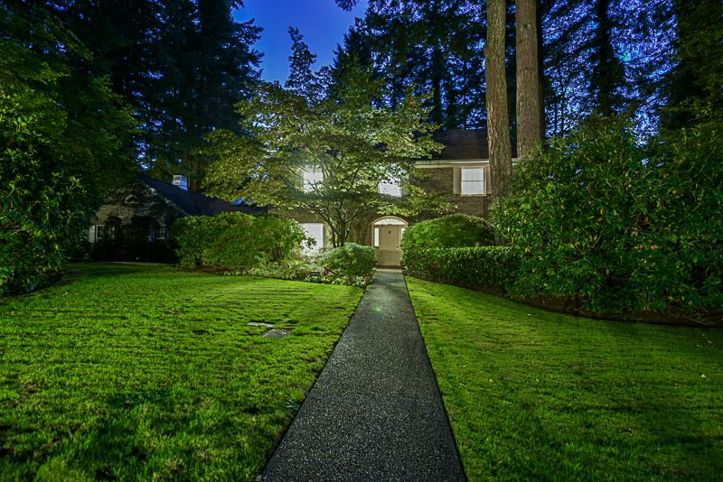 Detached at 2969 CHANTRELL PLACE, South Surrey White Rock, British Columbia. Image 3