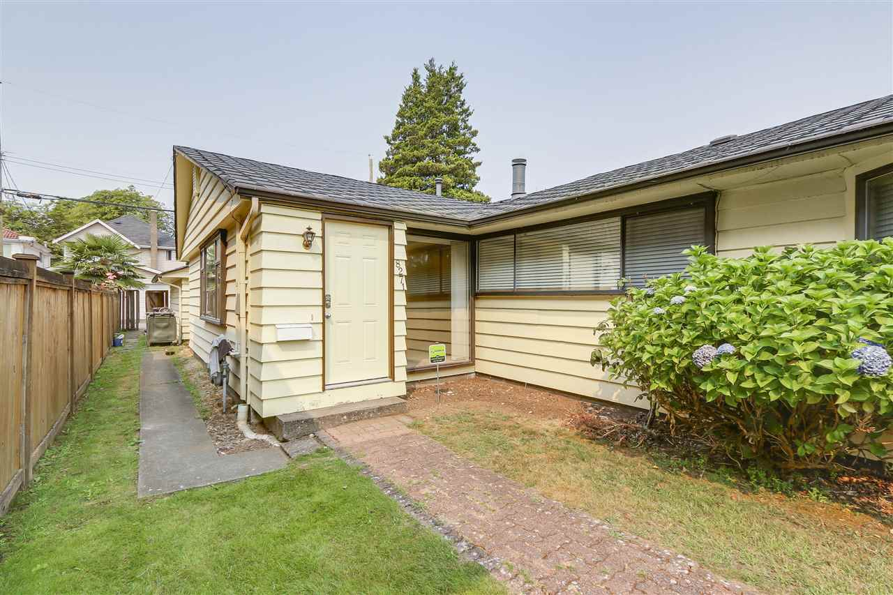 Half-duplex at 8271 LAUREL STREET, Vancouver West, British Columbia. Image 1