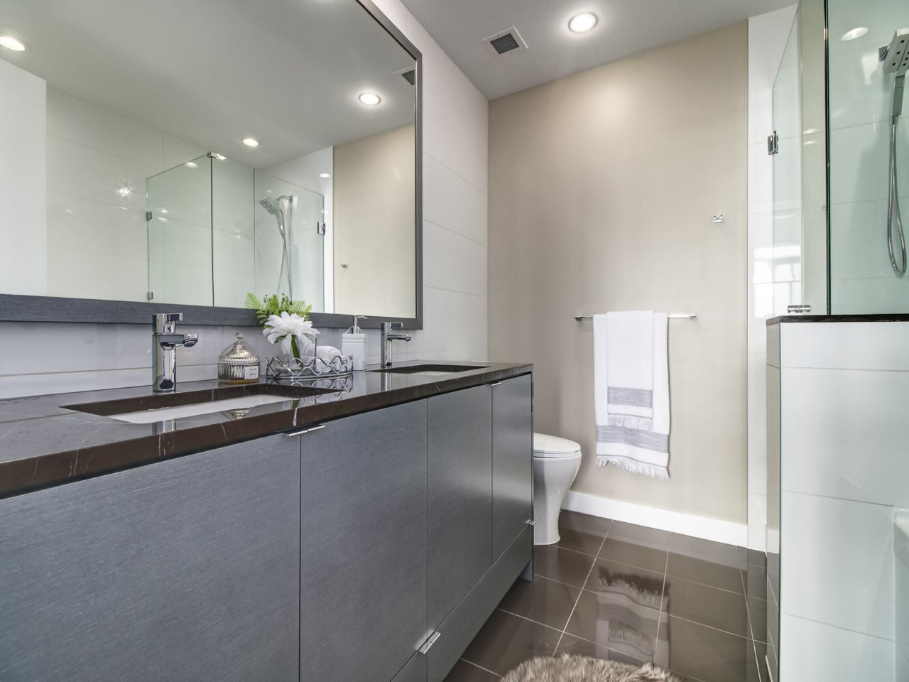 Condo Apartment at 4302 4508 HAZEL STREET, Unit 4302, Burnaby South, British Columbia. Image 8