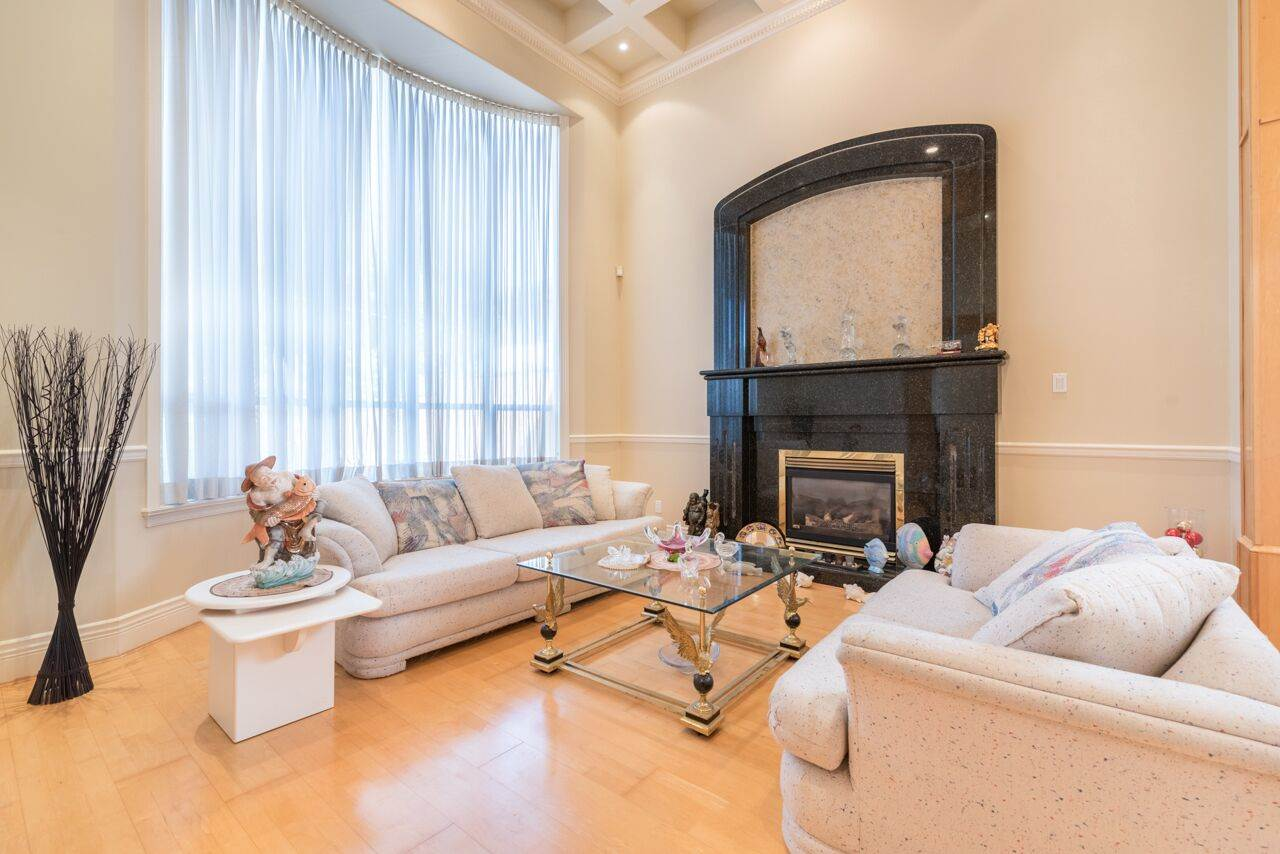 Detached at 3920 PACEMORE AVENUE, Richmond, British Columbia. Image 2
