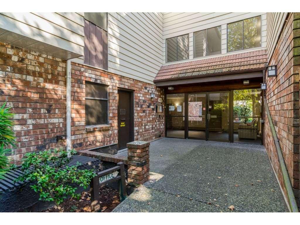 Condo Apartment at 205 7426 138 STREET, Unit 205, Surrey, British Columbia. Image 2