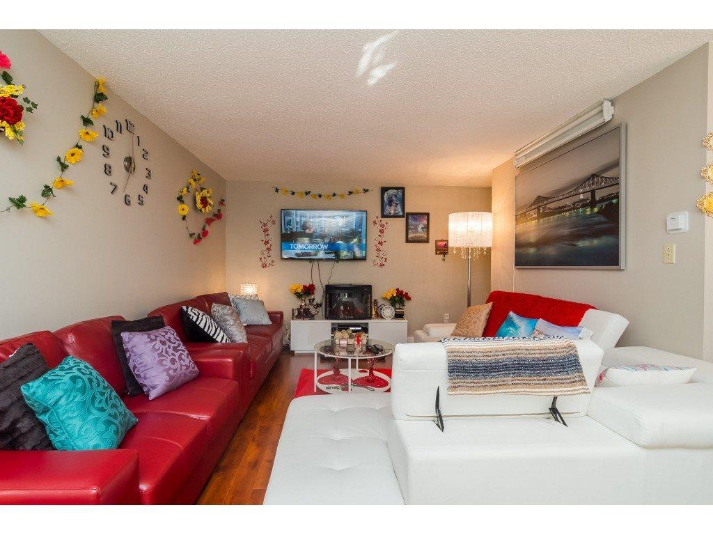 Condo Apartment at 205 7426 138 STREET, Unit 205, Surrey, British Columbia. Image 4