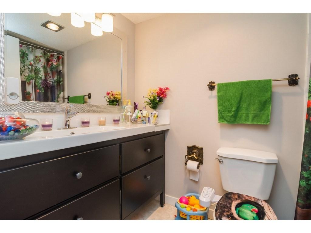 Condo Apartment at 205 7426 138 STREET, Unit 205, Surrey, British Columbia. Image 15