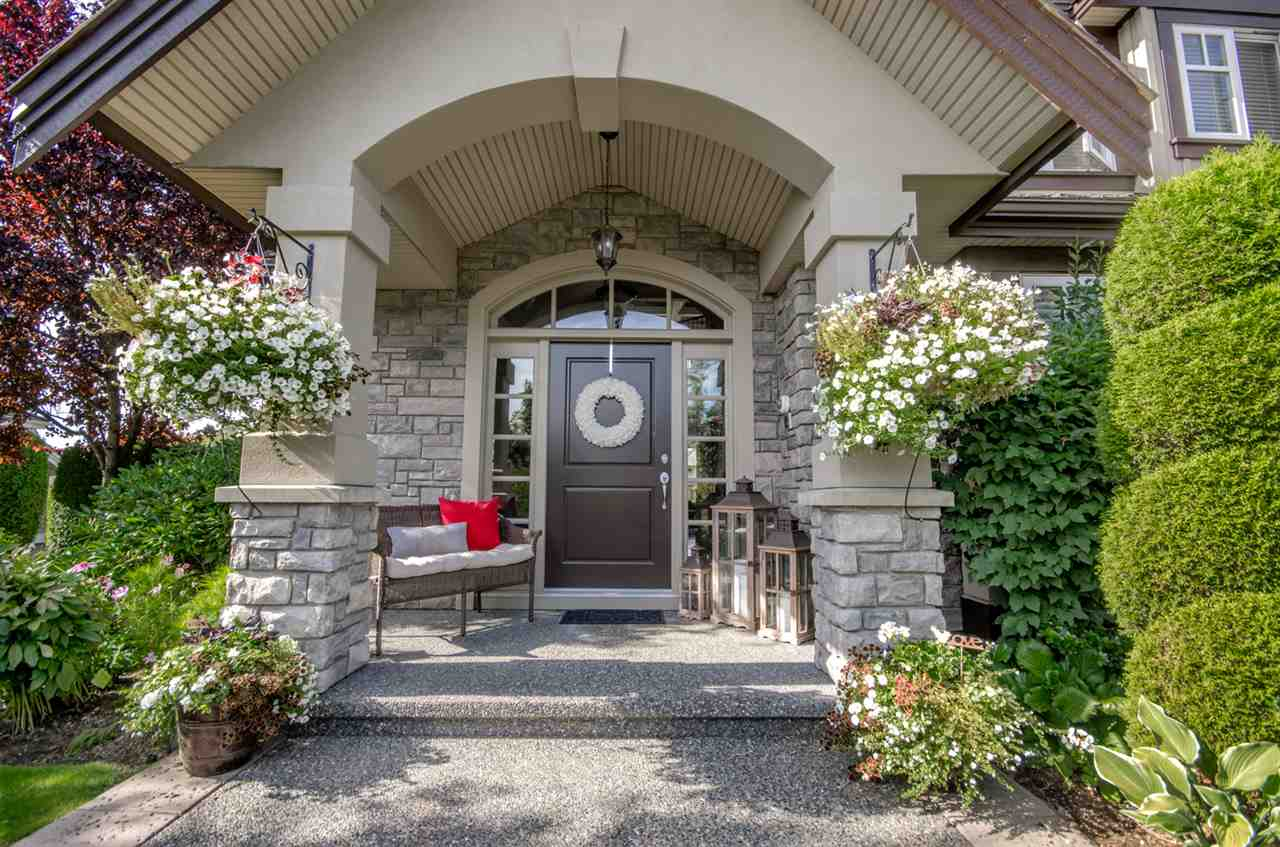 Detached at 3859 DEVONSHIRE DRIVE, South Surrey White Rock, British Columbia. Image 2