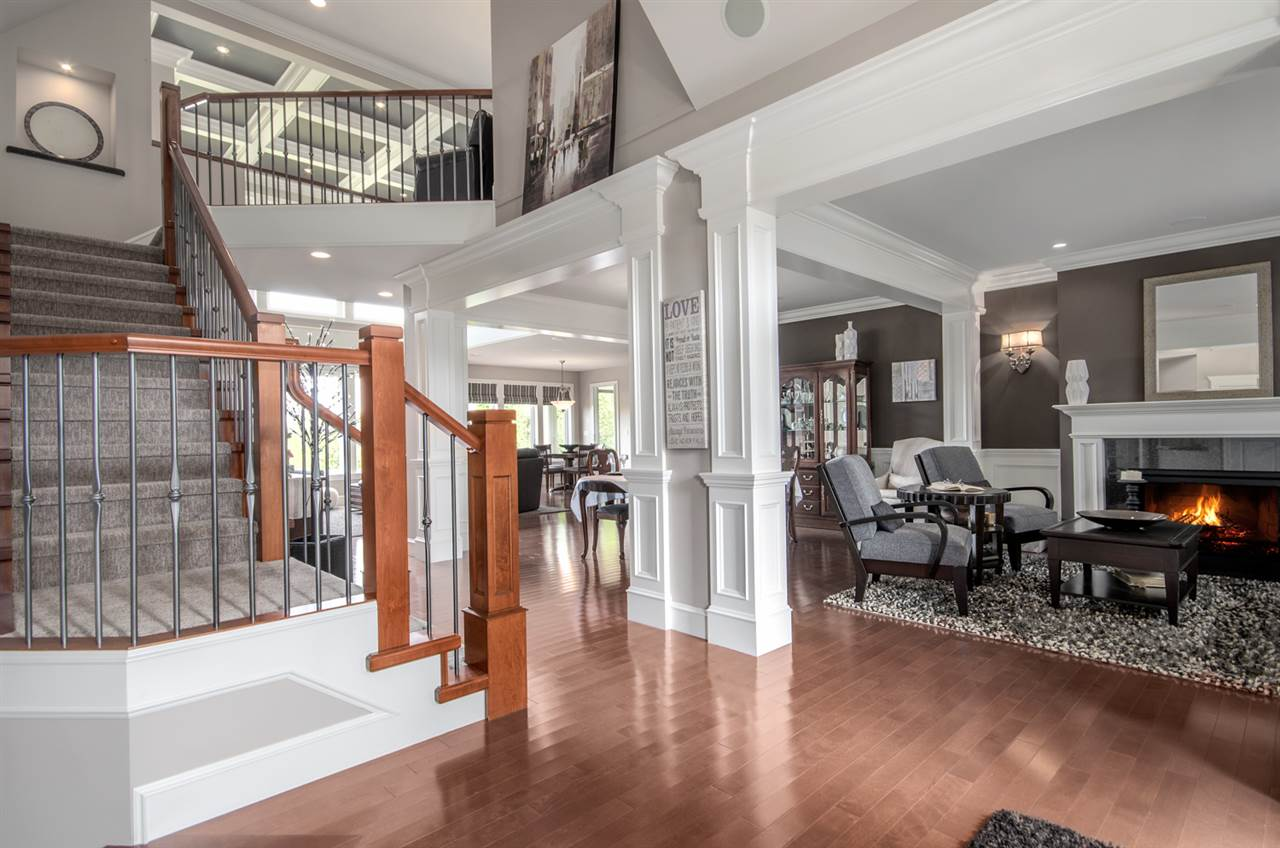 Detached at 3859 DEVONSHIRE DRIVE, South Surrey White Rock, British Columbia. Image 3