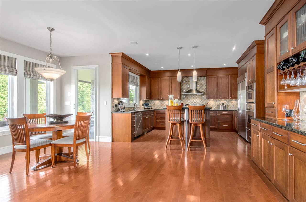 Detached at 3859 DEVONSHIRE DRIVE, South Surrey White Rock, British Columbia. Image 7