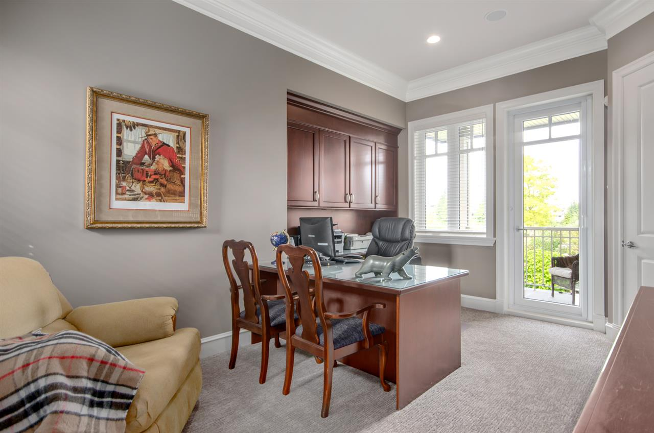 Detached at 3859 DEVONSHIRE DRIVE, South Surrey White Rock, British Columbia. Image 10