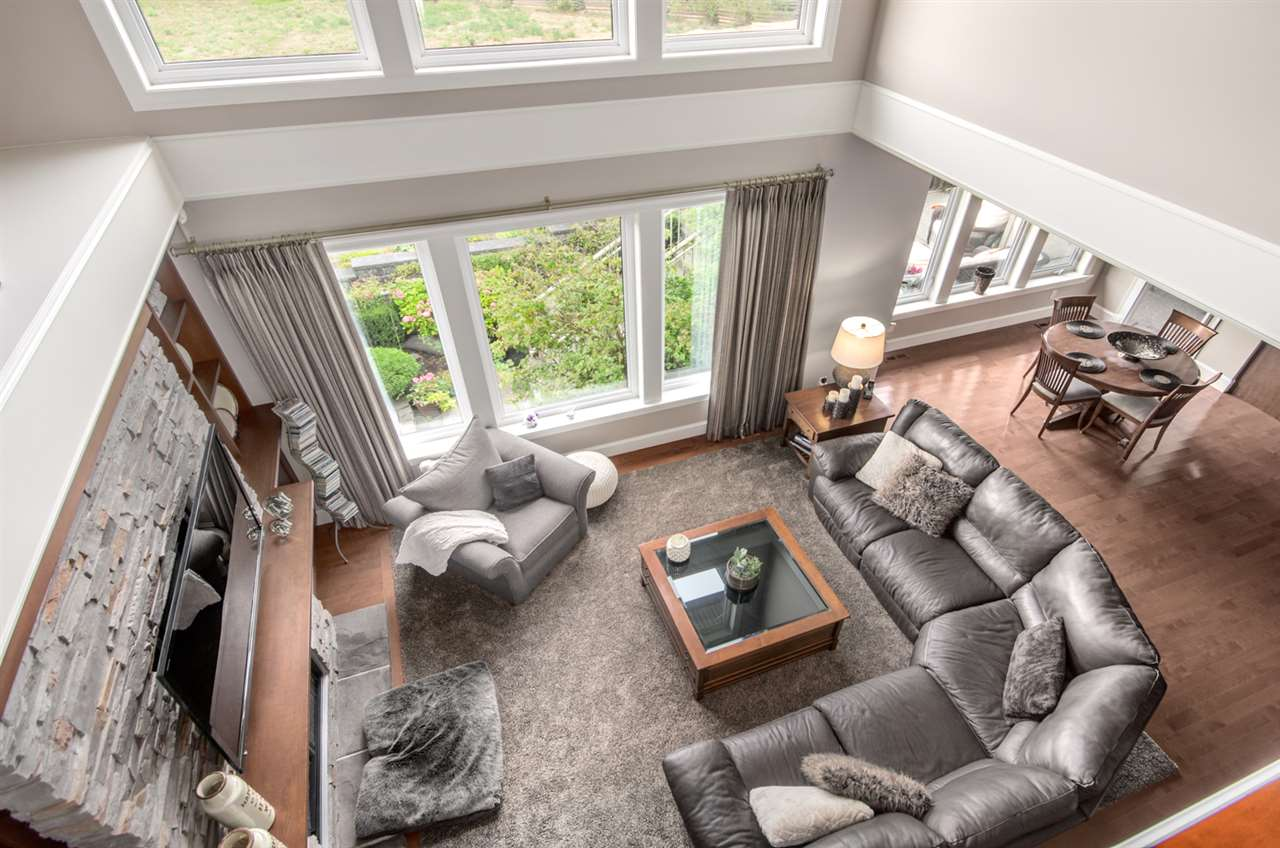 Detached at 3859 DEVONSHIRE DRIVE, South Surrey White Rock, British Columbia. Image 11