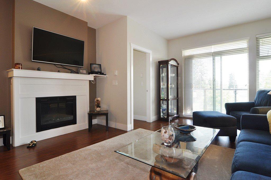 Condo Apartment at 405 2330 SHAUGHNESSY STREET, Unit 405, Port Coquitlam, British Columbia. Image 2