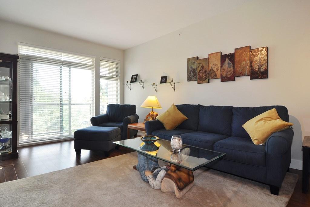 Condo Apartment at 405 2330 SHAUGHNESSY STREET, Unit 405, Port Coquitlam, British Columbia. Image 3