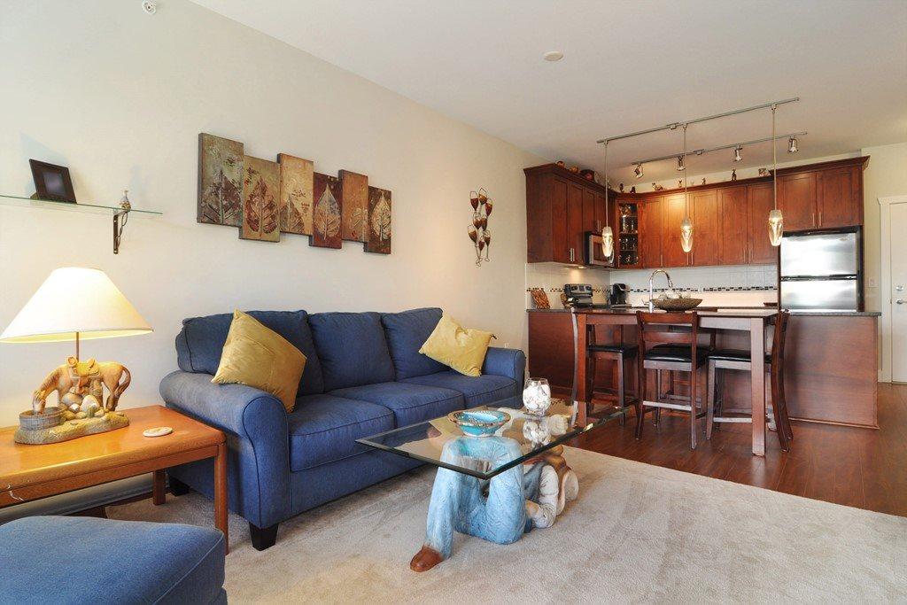 Condo Apartment at 405 2330 SHAUGHNESSY STREET, Unit 405, Port Coquitlam, British Columbia. Image 4