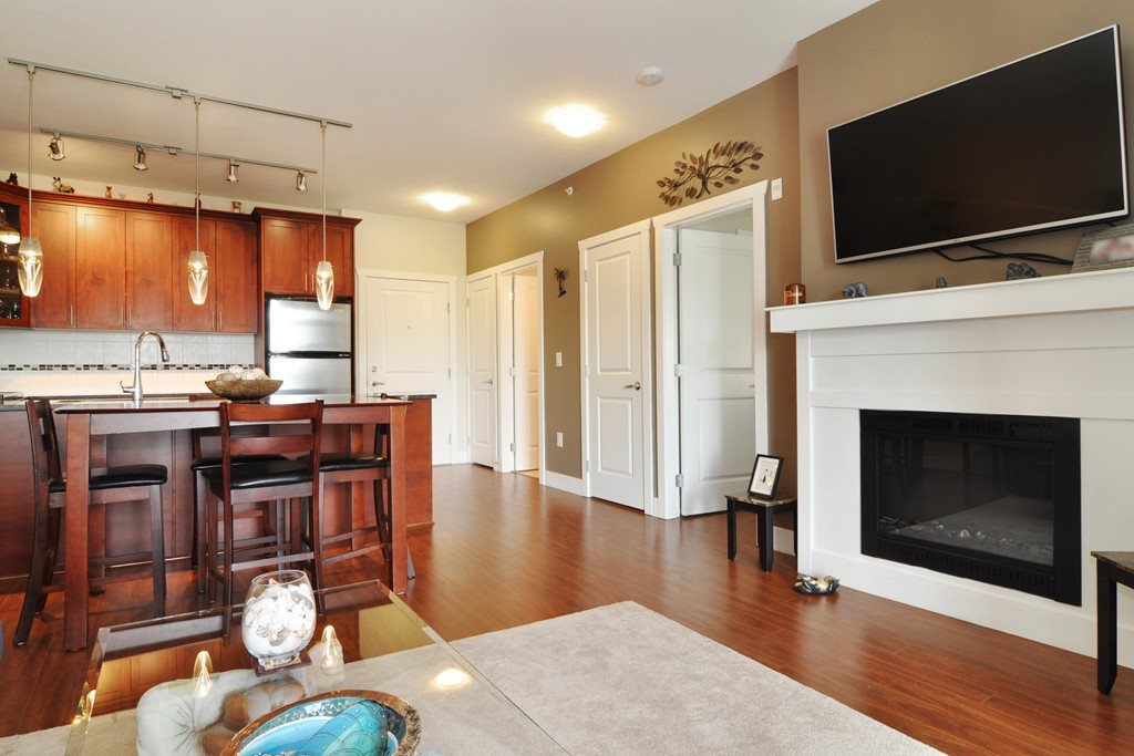 Condo Apartment at 405 2330 SHAUGHNESSY STREET, Unit 405, Port Coquitlam, British Columbia. Image 5