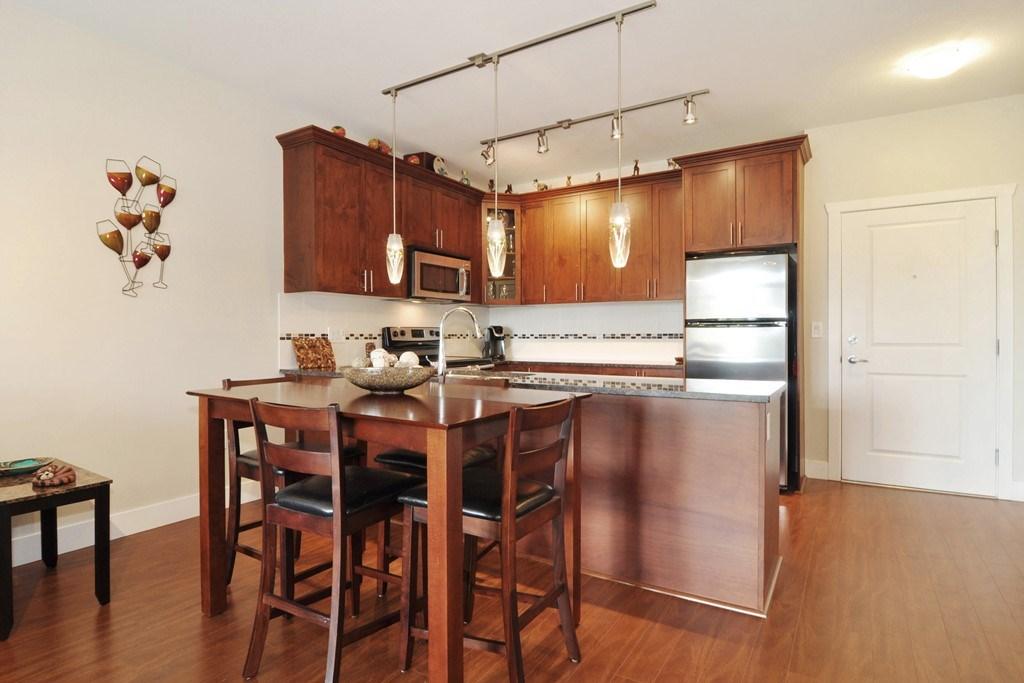 Condo Apartment at 405 2330 SHAUGHNESSY STREET, Unit 405, Port Coquitlam, British Columbia. Image 7