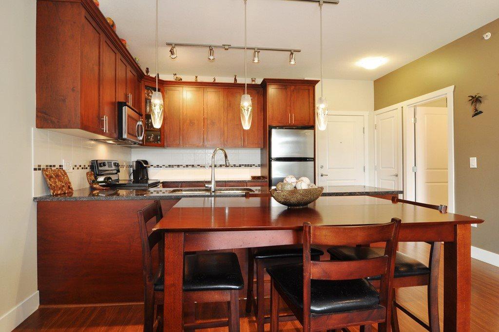 Condo Apartment at 405 2330 SHAUGHNESSY STREET, Unit 405, Port Coquitlam, British Columbia. Image 9