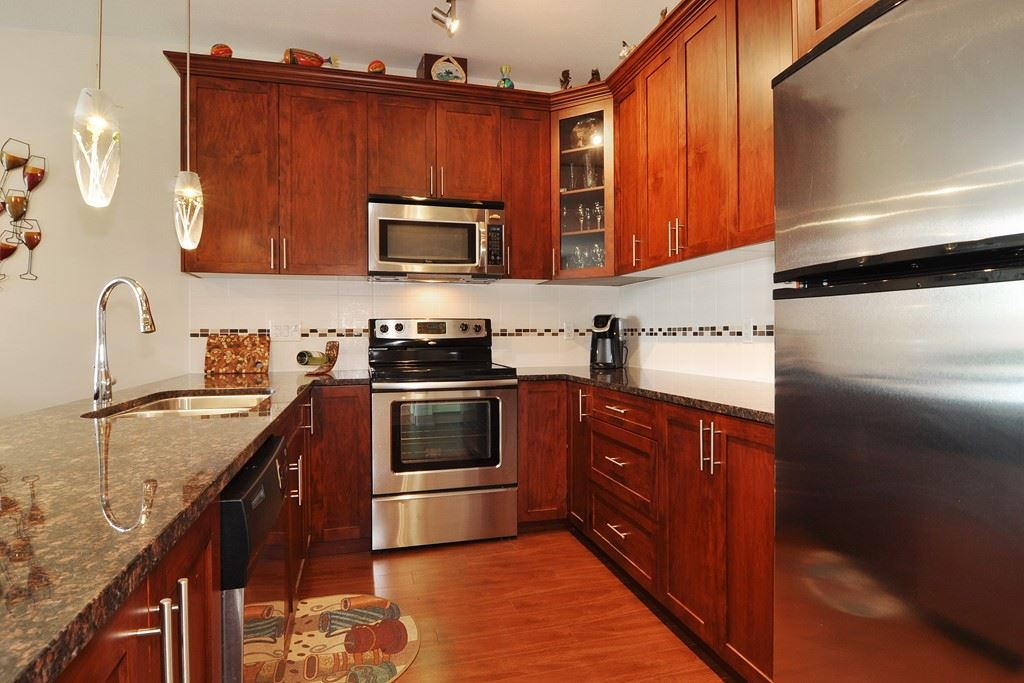 Condo Apartment at 405 2330 SHAUGHNESSY STREET, Unit 405, Port Coquitlam, British Columbia. Image 11