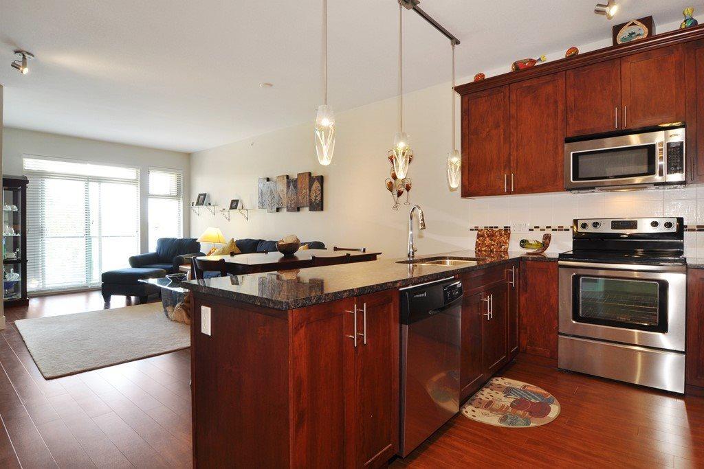 Condo Apartment at 405 2330 SHAUGHNESSY STREET, Unit 405, Port Coquitlam, British Columbia. Image 12