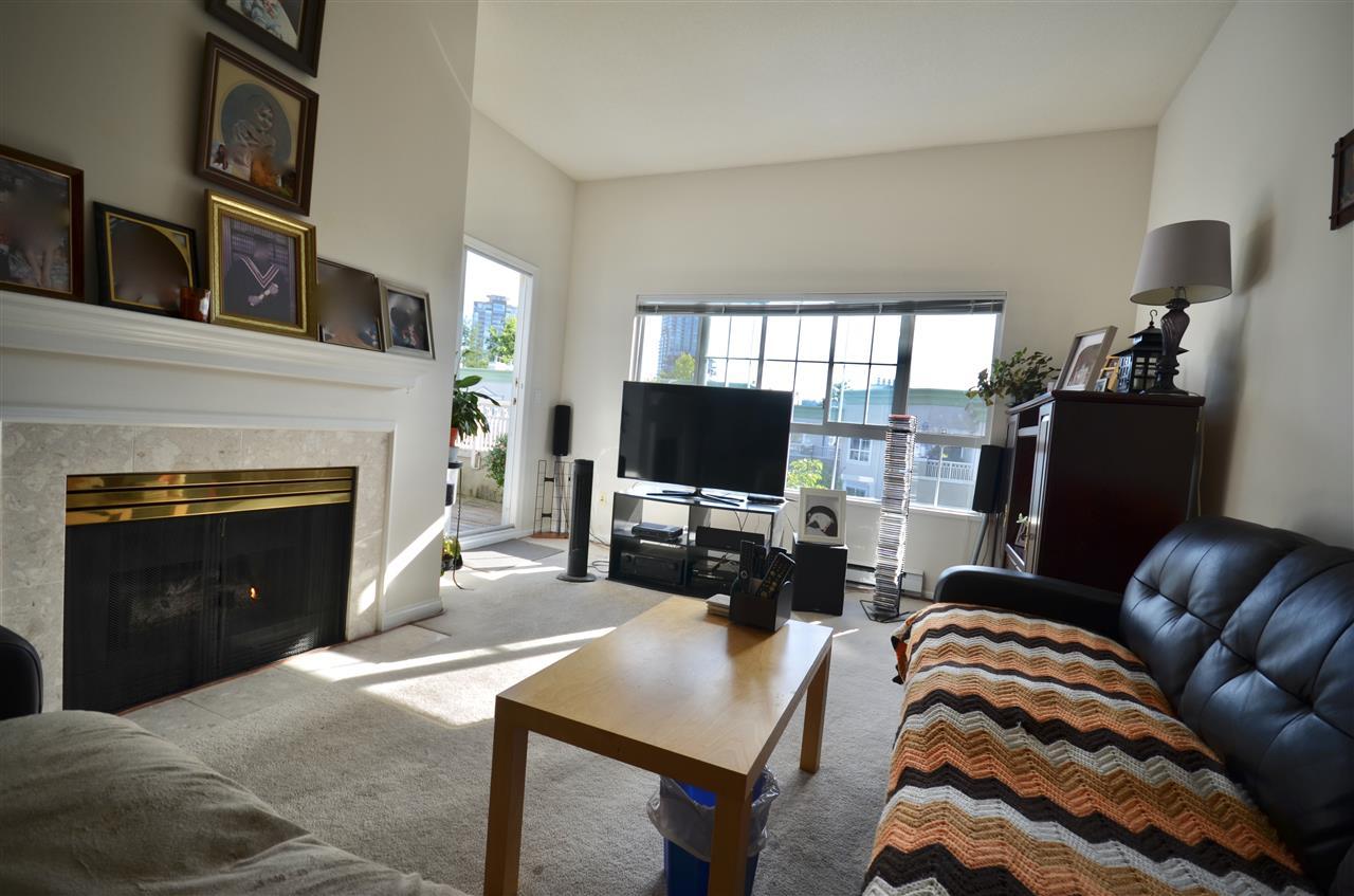 Condo Apartment at 437 2980 PRINCESS CRESCENT, Unit 437, Coquitlam, British Columbia. Image 6