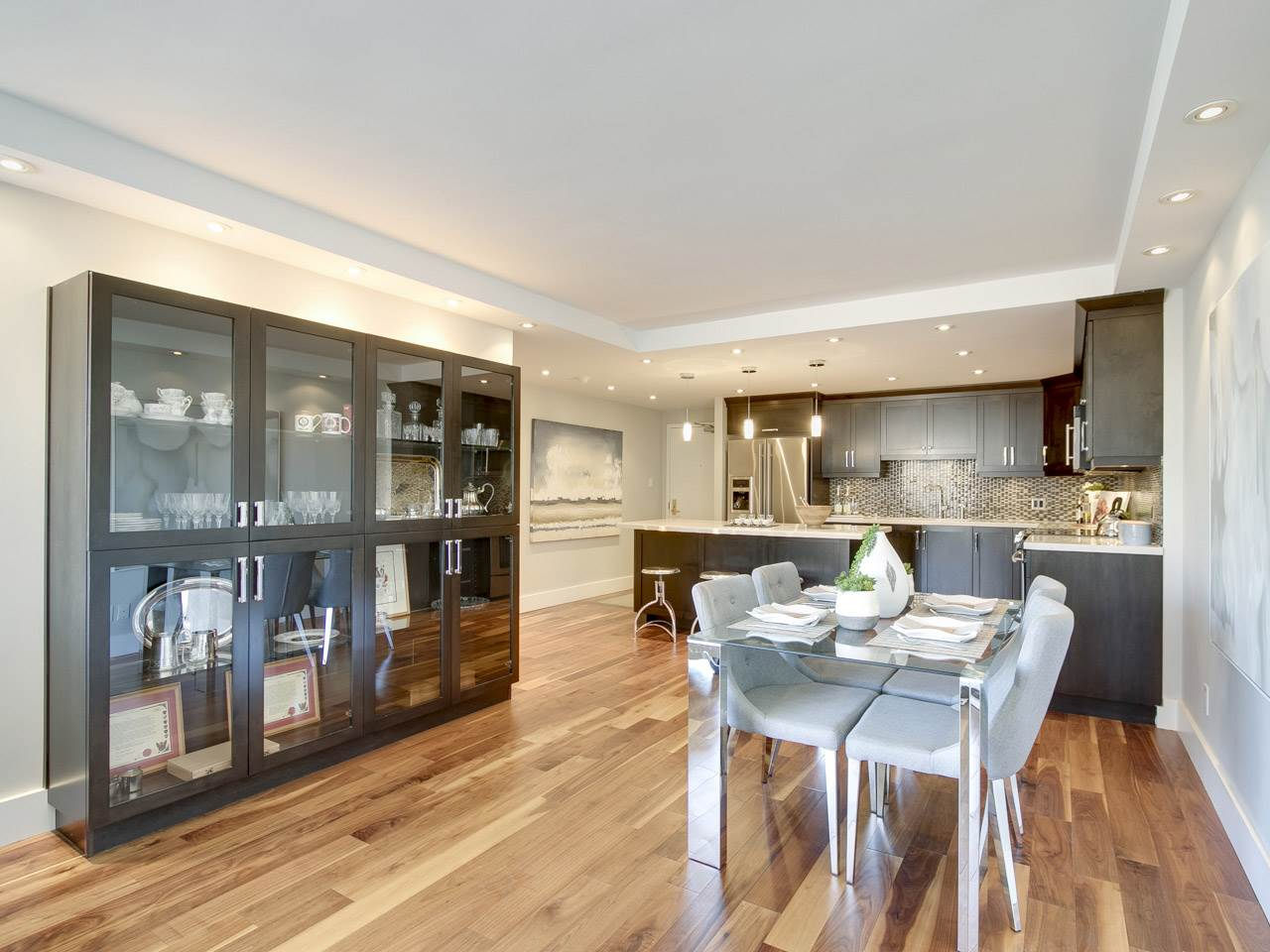 Condo Apartment at 1005 1450 PENNYFARTHING DRIVE, Unit 1005, Vancouver West, British Columbia. Image 3