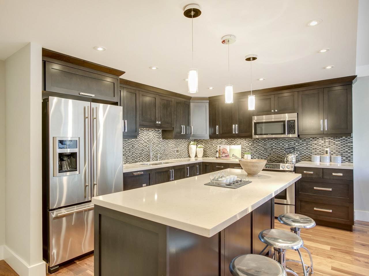 Condo Apartment at 1005 1450 PENNYFARTHING DRIVE, Unit 1005, Vancouver West, British Columbia. Image 4
