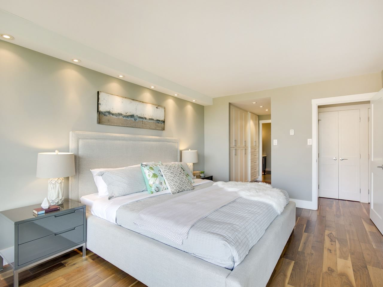 Condo Apartment at 1005 1450 PENNYFARTHING DRIVE, Unit 1005, Vancouver West, British Columbia. Image 8