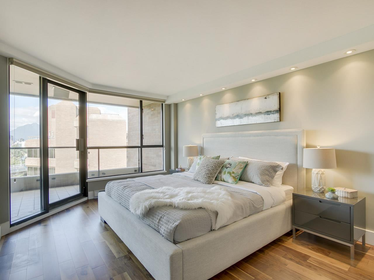 Condo Apartment at 1005 1450 PENNYFARTHING DRIVE, Unit 1005, Vancouver West, British Columbia. Image 9