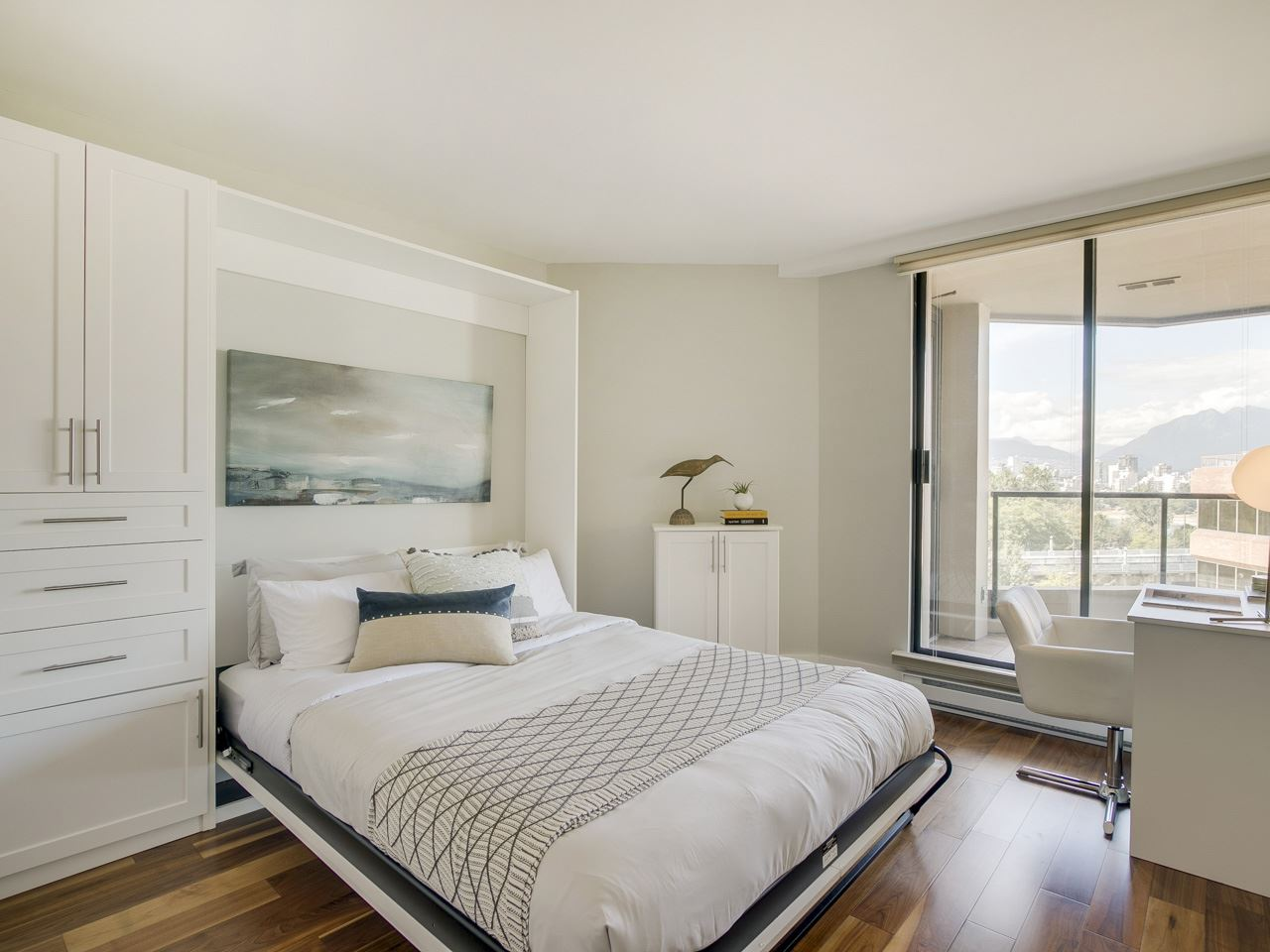 Condo Apartment at 1005 1450 PENNYFARTHING DRIVE, Unit 1005, Vancouver West, British Columbia. Image 11
