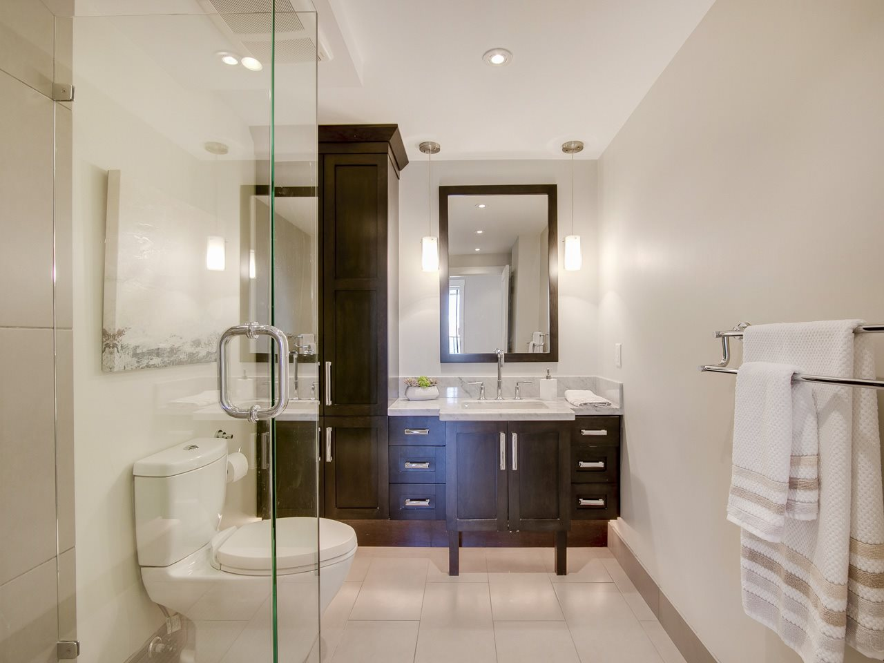 Condo Apartment at 1005 1450 PENNYFARTHING DRIVE, Unit 1005, Vancouver West, British Columbia. Image 12