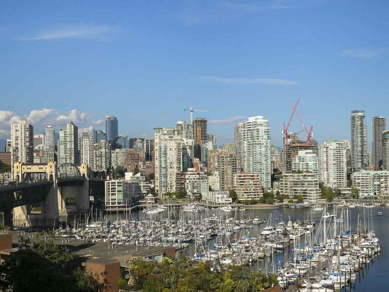 Condo Apartment at 1005 1450 PENNYFARTHING DRIVE, Unit 1005, Vancouver West, British Columbia. Image 13