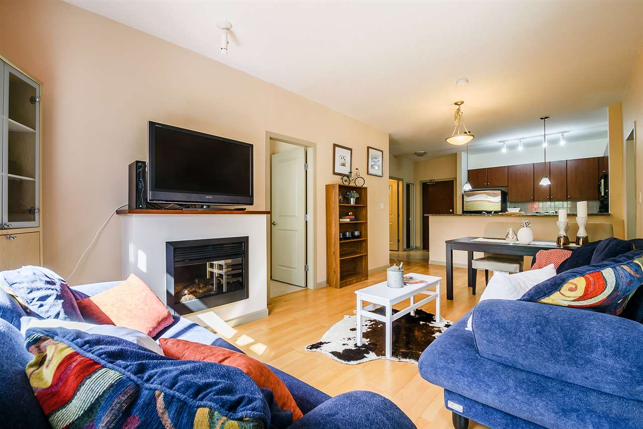 Condo Apartment at 201 100 CAPILANO ROAD, Unit 201, Port Moody, British Columbia. Image 4