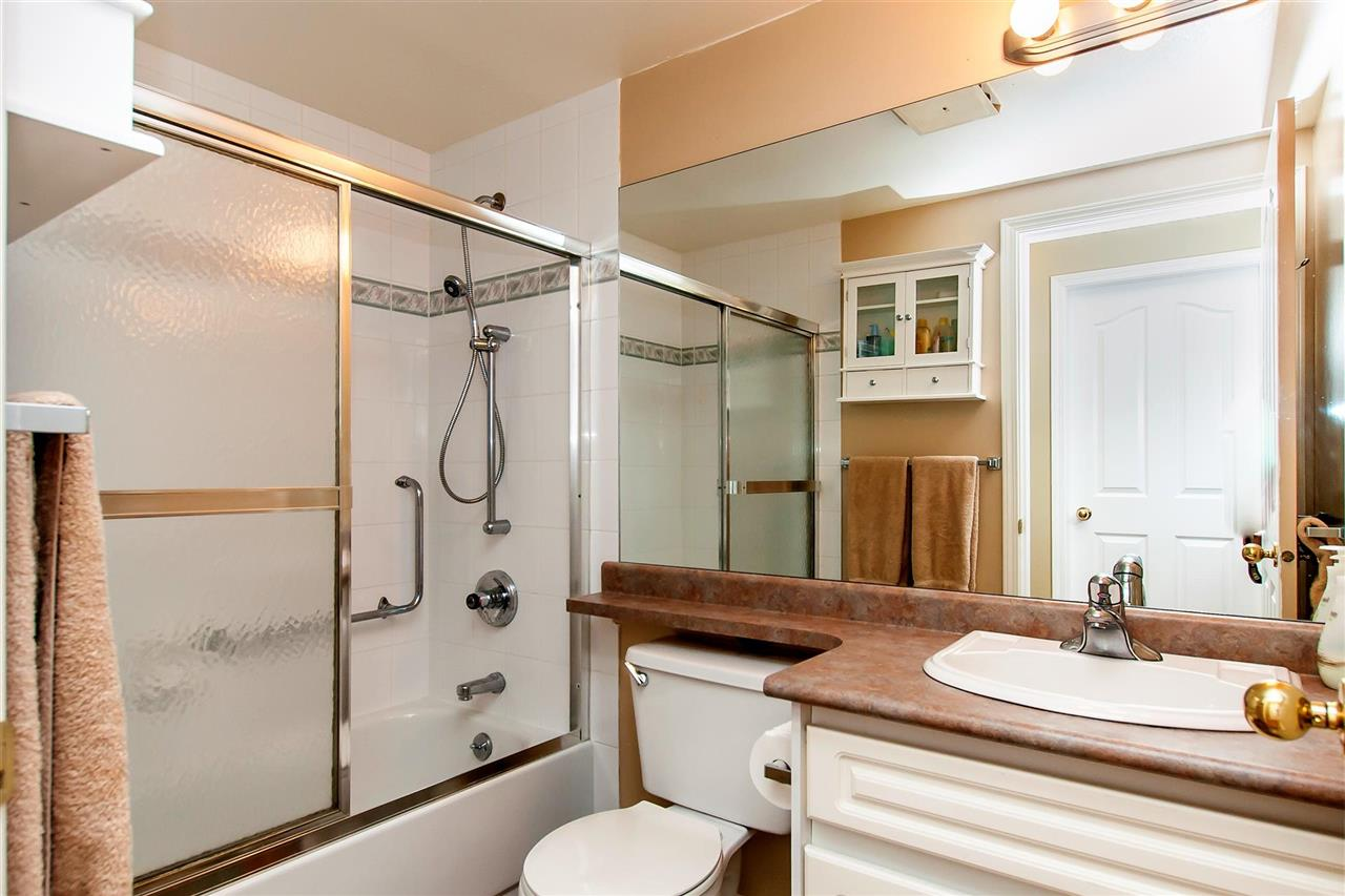Condo Apartment at 314 6475 CHESTER STREET, Unit 314, Vancouver East, British Columbia. Image 7