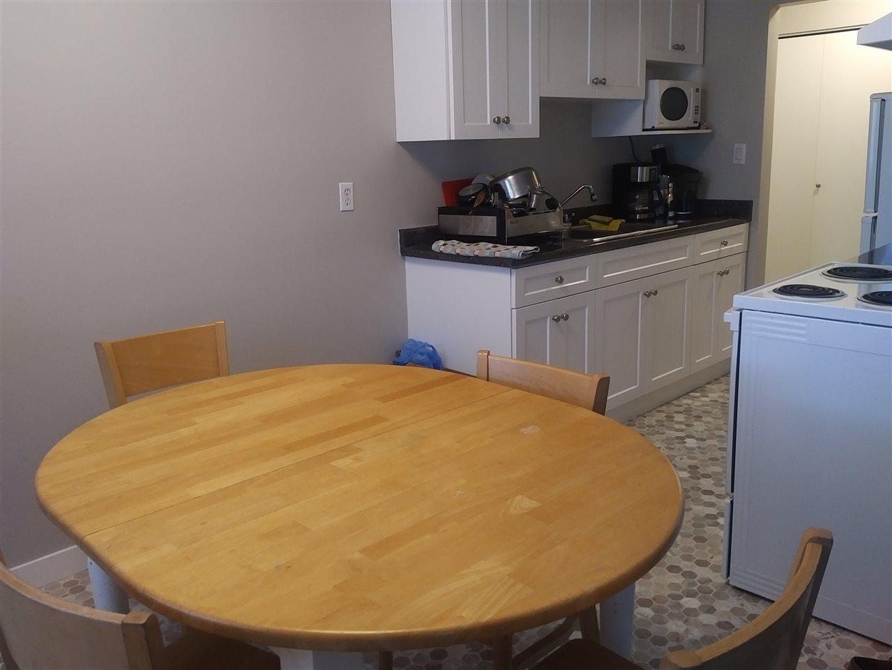 Condo Apartment at 28 5780 HASTINGS STREET, Unit 28, Burnaby North, British Columbia. Image 2