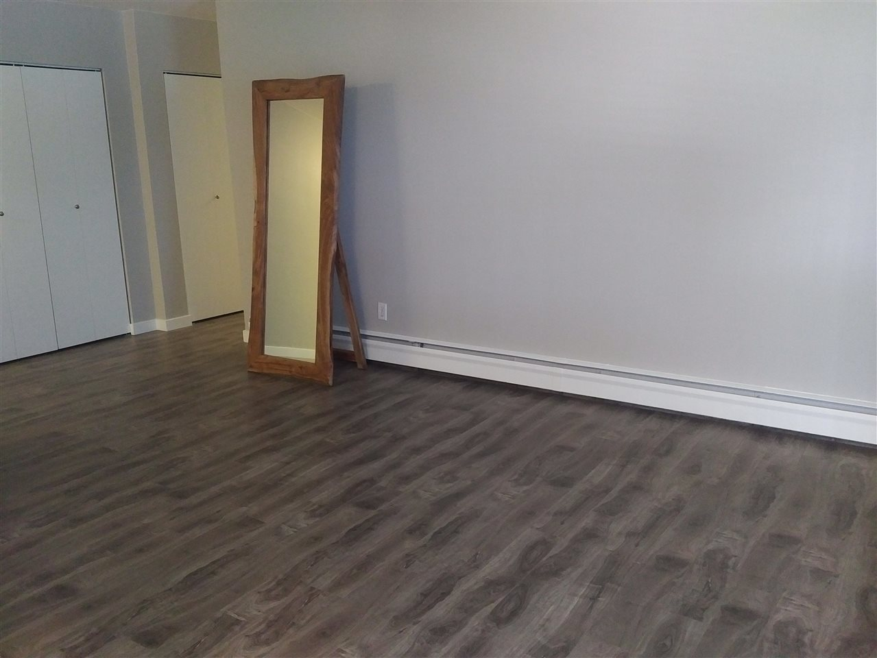 Condo Apartment at 28 5780 HASTINGS STREET, Unit 28, Burnaby North, British Columbia. Image 8