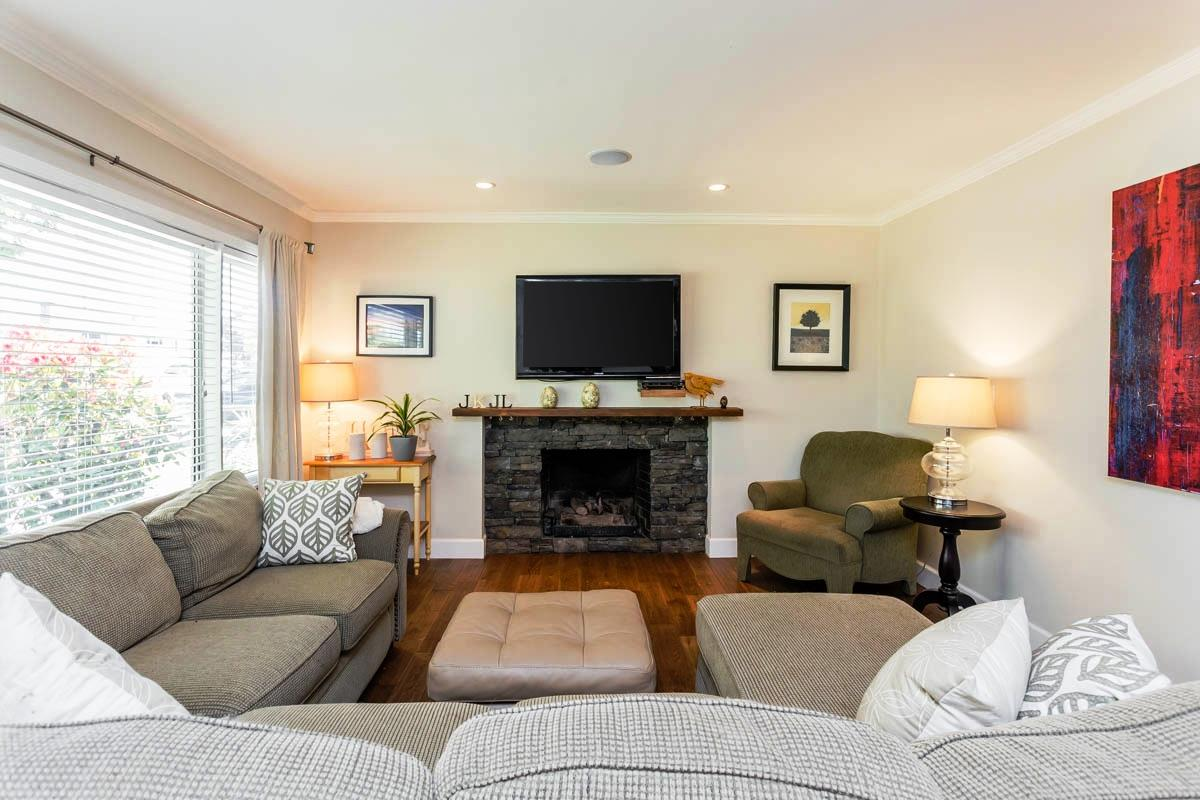 Detached at 6538 CURTIS STREET, Burnaby North, British Columbia. Image 2