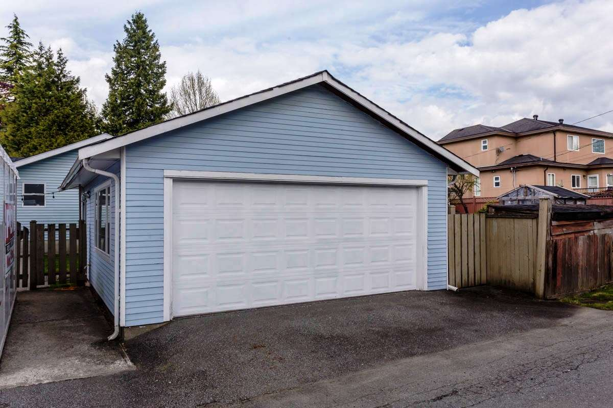 Detached at 6538 CURTIS STREET, Burnaby North, British Columbia. Image 20