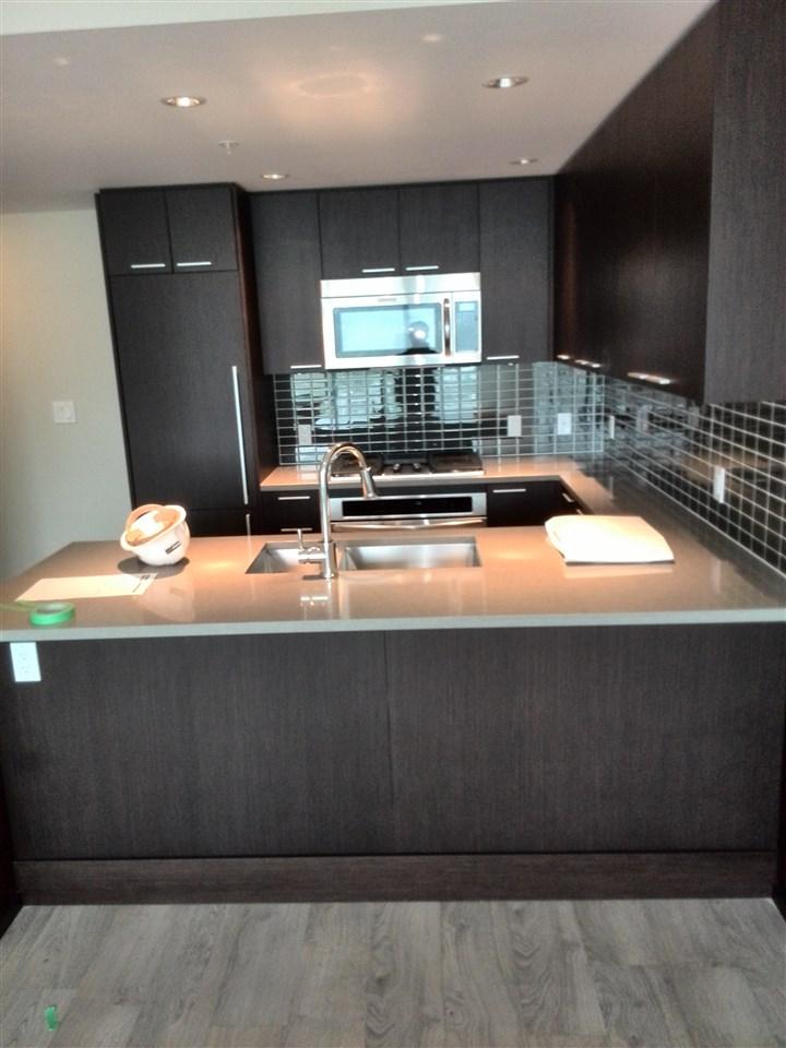 Condo Apartment at 3506 2975 ATLANTIC AVENUE, Unit 3506, Coquitlam, British Columbia. Image 3