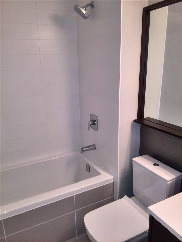 Condo Apartment at 3506 2975 ATLANTIC AVENUE, Unit 3506, Coquitlam, British Columbia. Image 5