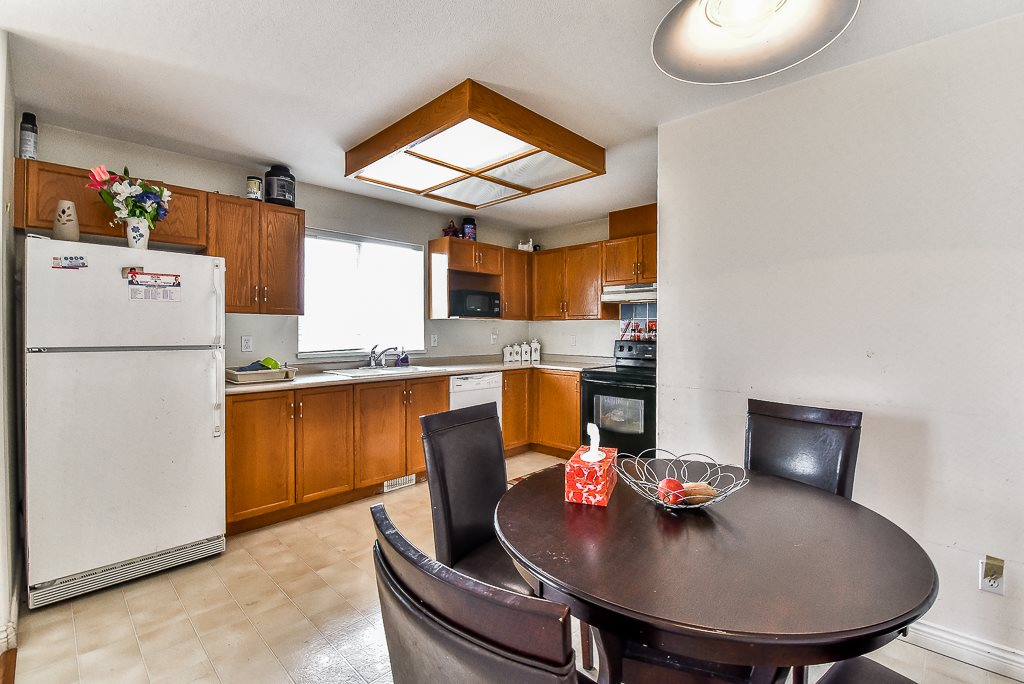 Townhouse at 115 3160 TOWNLINE ROAD, Unit 115, Abbotsford, British Columbia. Image 5