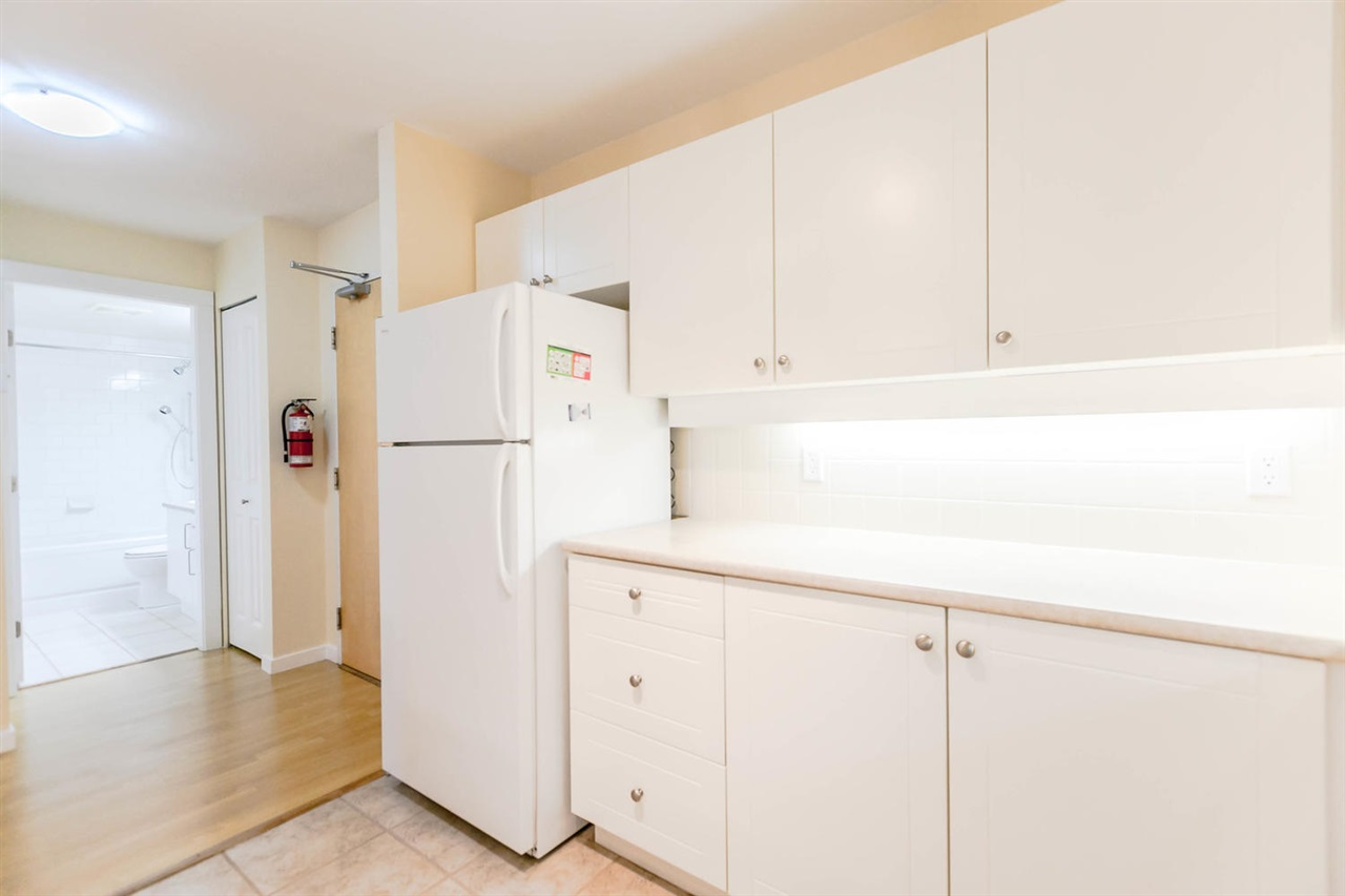 Condo Apartment at 301 18 SMOKEY SMITH PLACE, Unit 301, New Westminster, British Columbia. Image 4