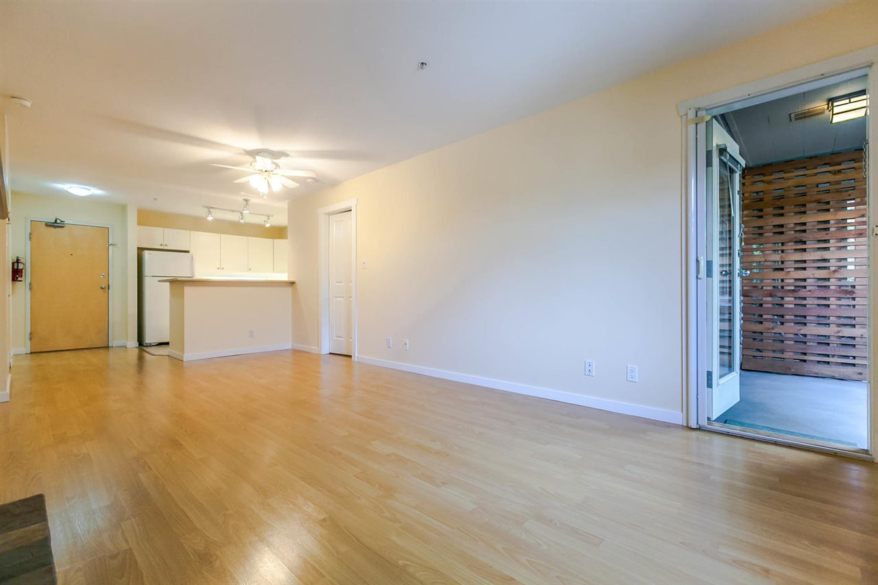 Condo Apartment at 301 18 SMOKEY SMITH PLACE, Unit 301, New Westminster, British Columbia. Image 10