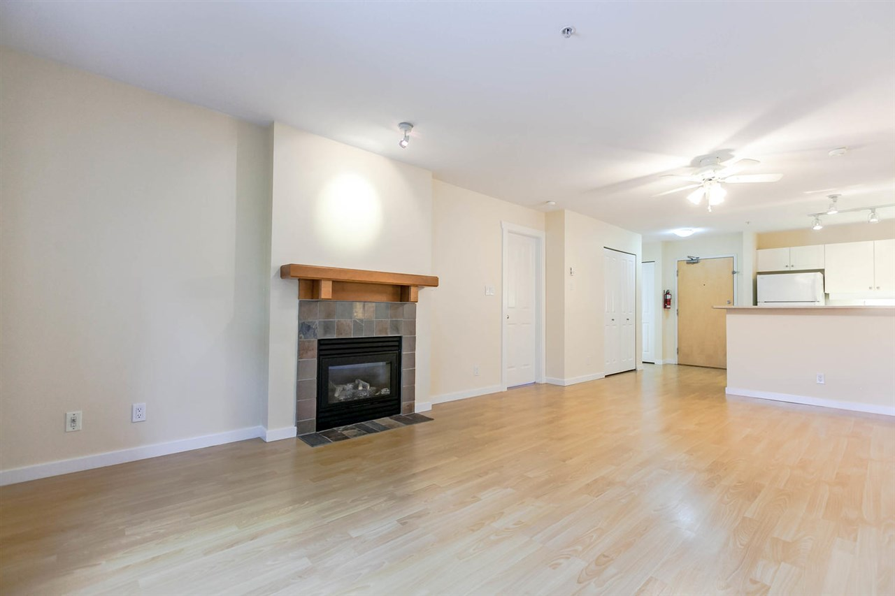 Condo Apartment at 301 18 SMOKEY SMITH PLACE, Unit 301, New Westminster, British Columbia. Image 11