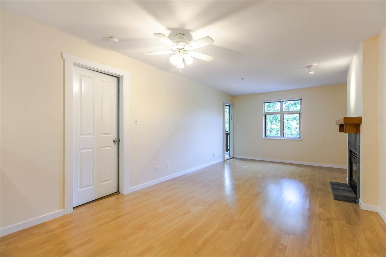 Condo Apartment at 301 18 SMOKEY SMITH PLACE, Unit 301, New Westminster, British Columbia. Image 13