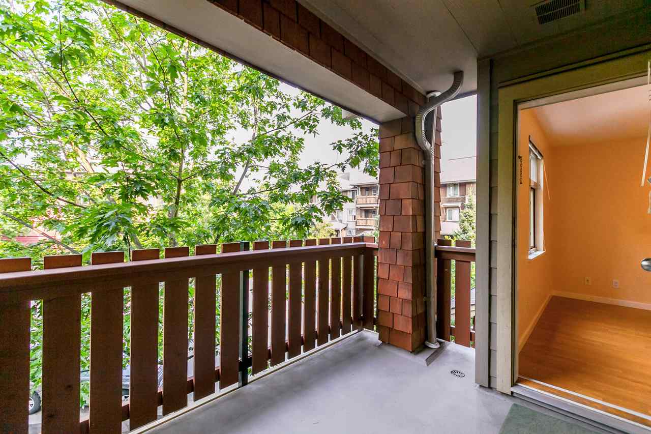 Condo Apartment at 301 18 SMOKEY SMITH PLACE, Unit 301, New Westminster, British Columbia. Image 14
