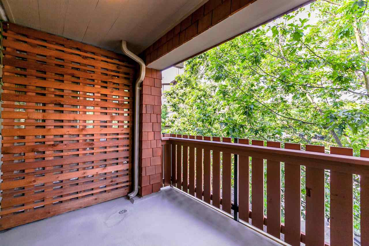 Condo Apartment at 301 18 SMOKEY SMITH PLACE, Unit 301, New Westminster, British Columbia. Image 15