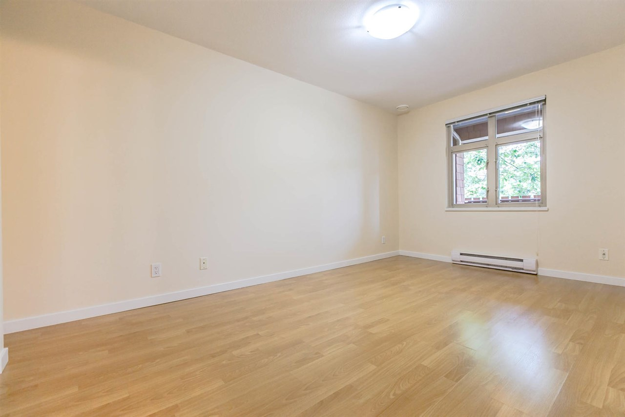 Condo Apartment at 301 18 SMOKEY SMITH PLACE, Unit 301, New Westminster, British Columbia. Image 16