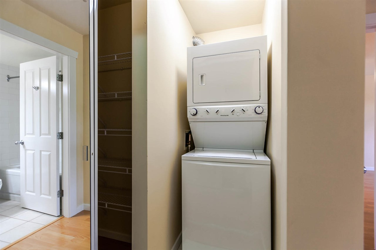 Condo Apartment at 301 18 SMOKEY SMITH PLACE, Unit 301, New Westminster, British Columbia. Image 20