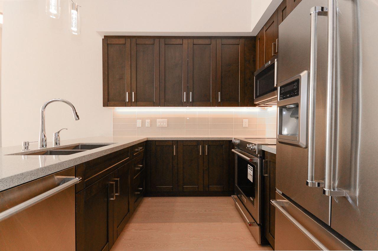 Condo Apartment at 1301 11967 80 AVENUE, Unit 1301, N. Delta, British Columbia. Image 2