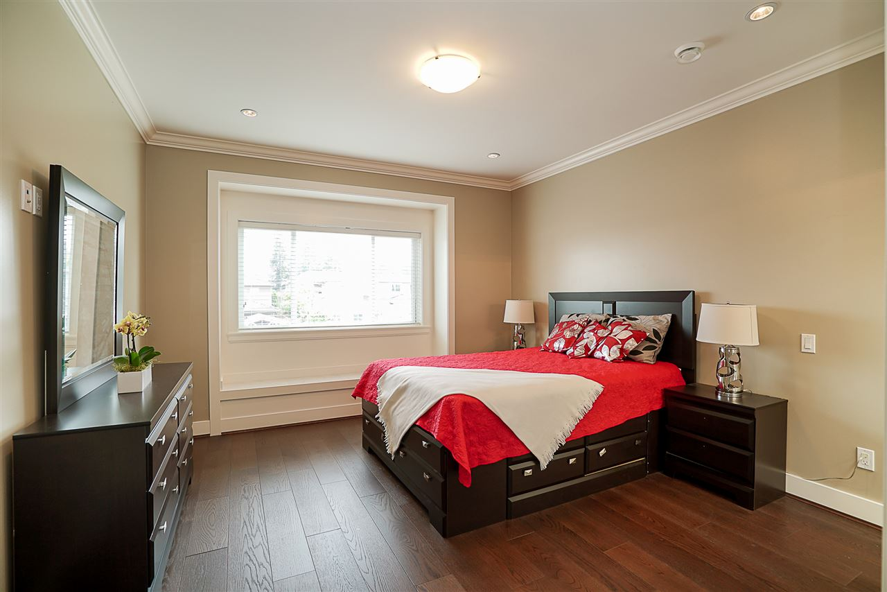 Half-duplex at 6668 BRANTFORD AVENUE, Burnaby South, British Columbia. Image 15