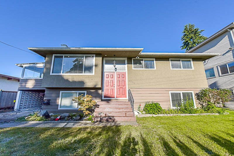 Detached at 9290 115A STREET, N. Delta, British Columbia. Image 1